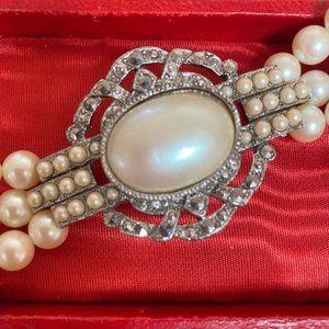 VTG RICHELIEU Victorian Style Triple Strand Pearl